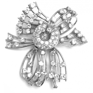 Broche en or blanc et platine, diamants.