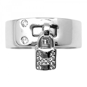 "Bague Hermès modèle ""Kelly"" en or blanc, diamants."