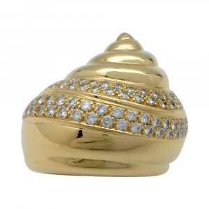 "Bague Chanel ""coquillage"" en or jaune, diamants."