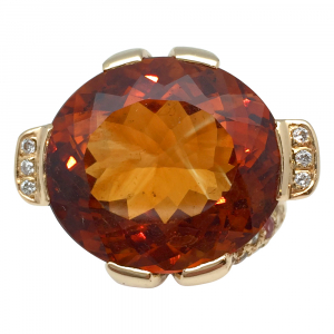 Bague en or jaune citrine, diamants et saphirs de couleurs.