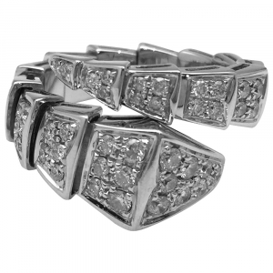 "Bague Bulgari ""Serpenti"" en or blanc, diamants."