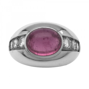 Bague en or blanc, tourmaline rose et diamants.