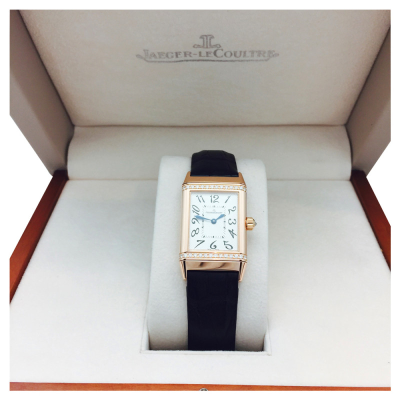 Montre Jaeger LeCoultre en or rose sur cuir, diamants.