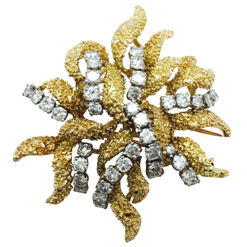 "Broche Boucheron ""Anémone"" en or jaune et diamants."