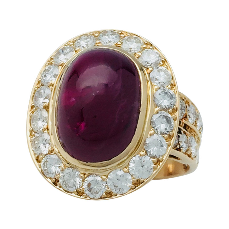 Bague Van Cleef & Arpels en or jaune, rubis et diamants.