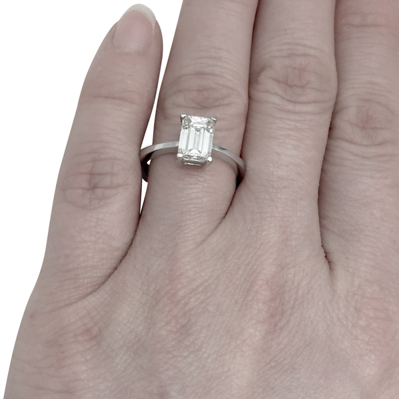 bague solitaire taille emeraude